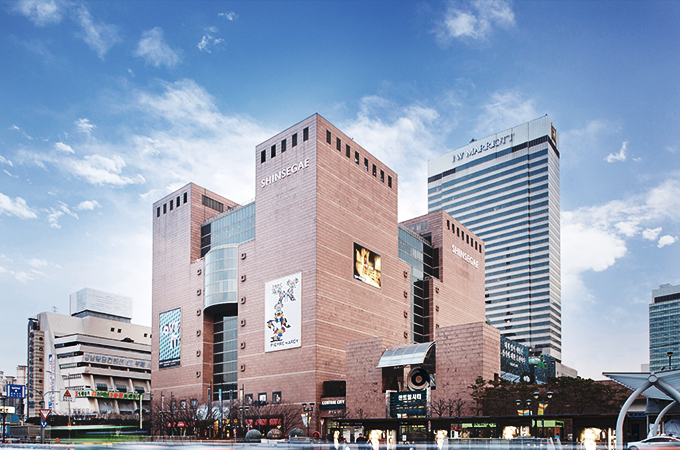 HAPPY LIFESTYLE IN<br/>SHINSEGAE DEPARTMENT STORE